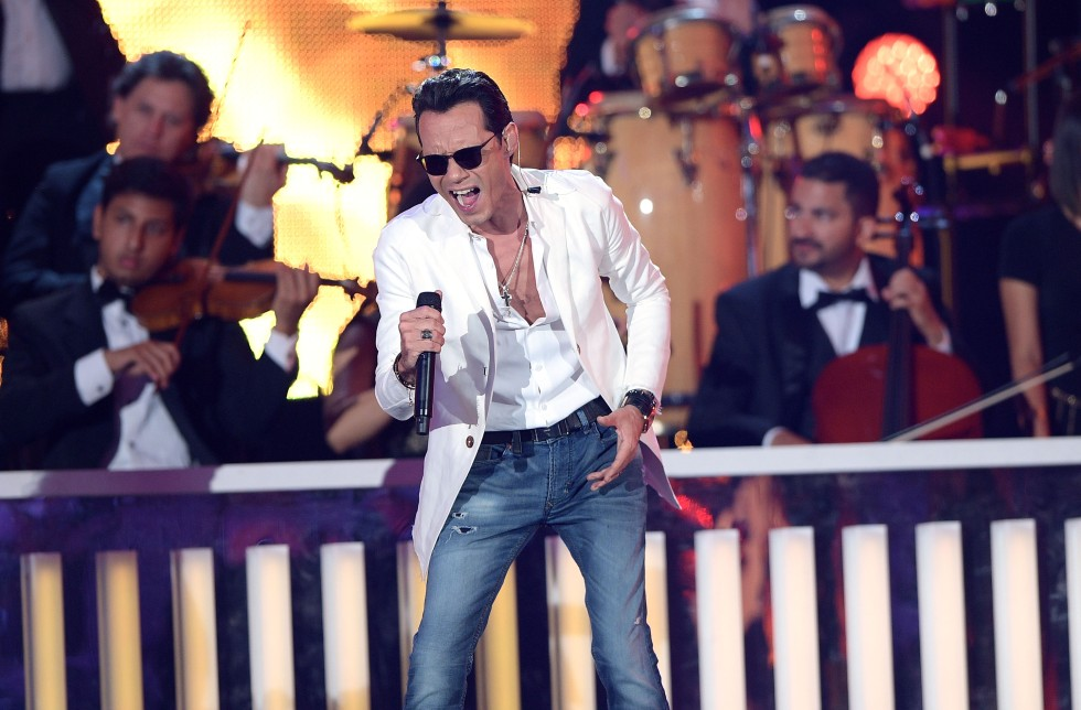 MIAMI, FL - APRIL 28:  Marc Anthony performs onstage at the Billboard Latin Music Awards at Bank United Center on April 28, 2016 in Miami, Florida.  (Photo by Rodrigo Varela/Getty Images)
